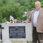 Tadeusz Drzymała na grobie krewnych