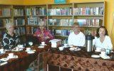 Członkowie Dyskusyjnego Klubu Książki w Rakoniewicach