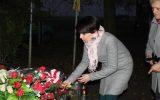 TMZR składa kwiaty na grobie pomordowanych w II wojnie światowej